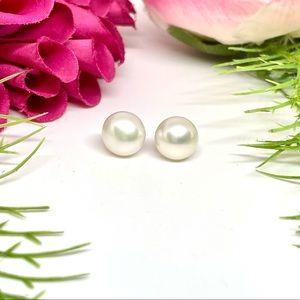 NEW⚜️GENUINE Cultured Pearl Cream Stud Earrings